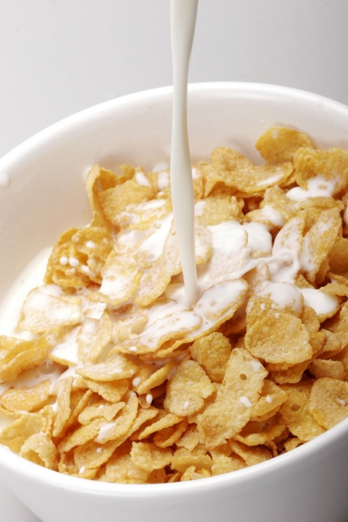 pouring-milk-on-cereal